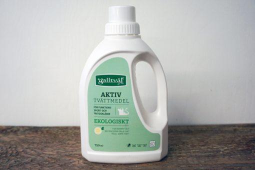 750 ml Flytande galltvål Aktivt tvättmedel i vit plastförpackning. Rundare form med grön etikett.